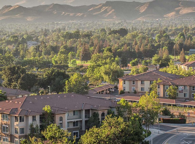 Community and mountain view l Simi Valley, CA Apartments For Rent