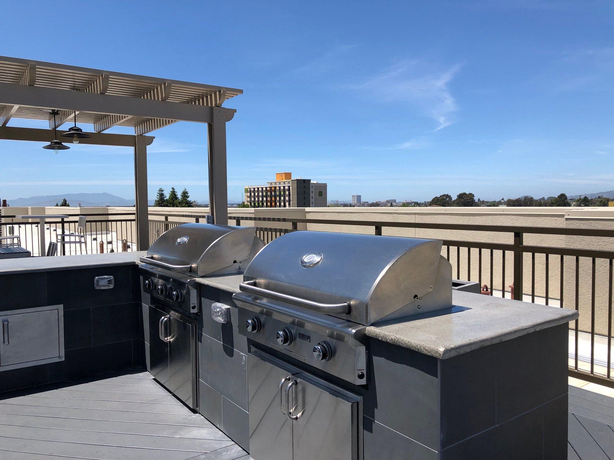 Rooftop BBQ l Rasa Apartments in Oakland CA