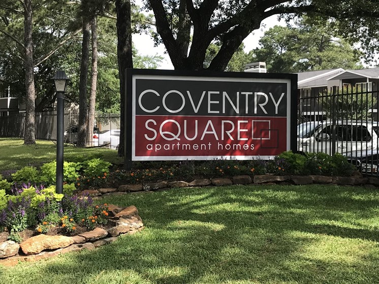 Monument sign for property