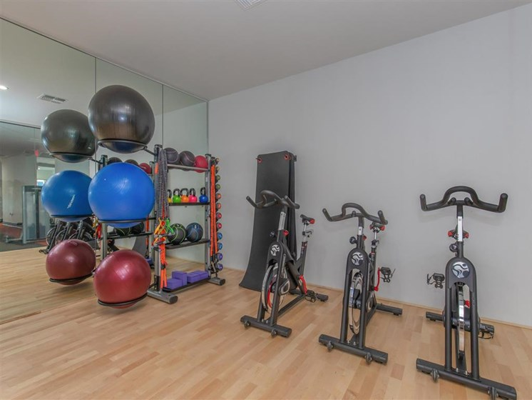 Spin and cycle room