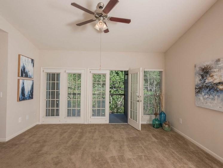 Lush Carpeted Floors