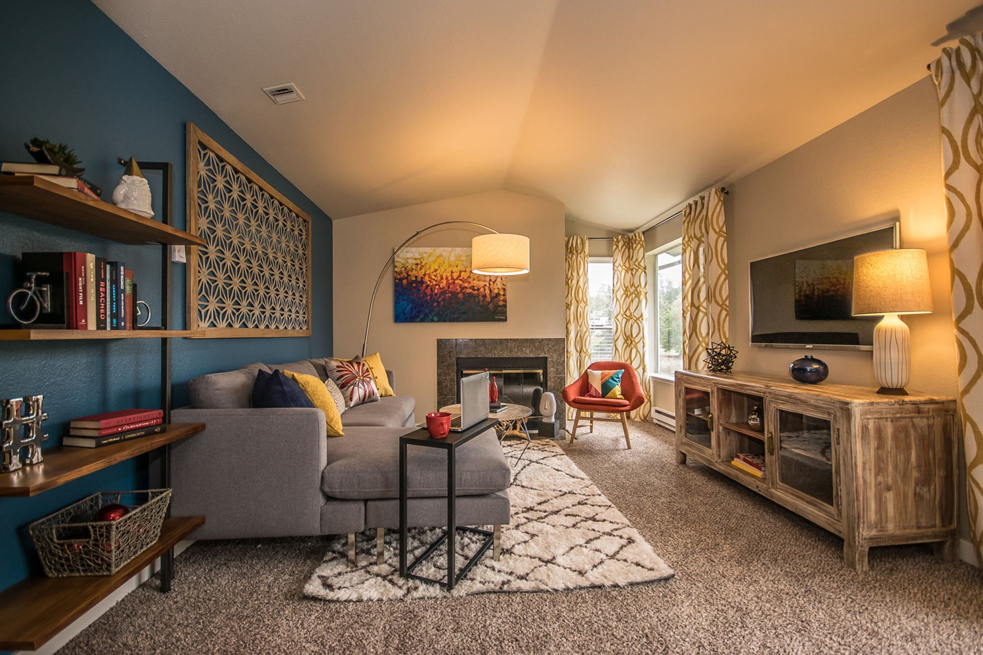 Apartments Tacoma-The Fairways Apartments Open and Spacious Living Room with Modern Designs and Wood-Styled Floors