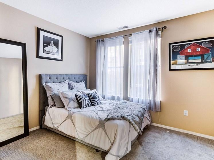 spacious bedrooms at Uptown Lake Apartments, Minneapolis, MN, 55408