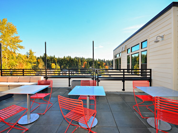 Roof Top Deck and Dining Area at Emerald Crest, Bothell, WA