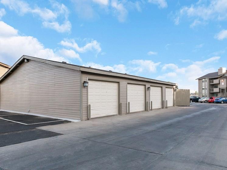 Apartments in Wichita Garage