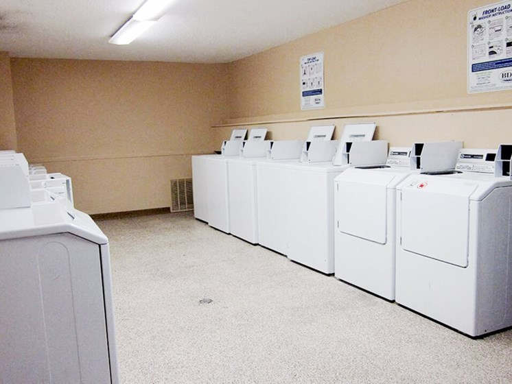 onsite laundry facility in Stone Grove apartments