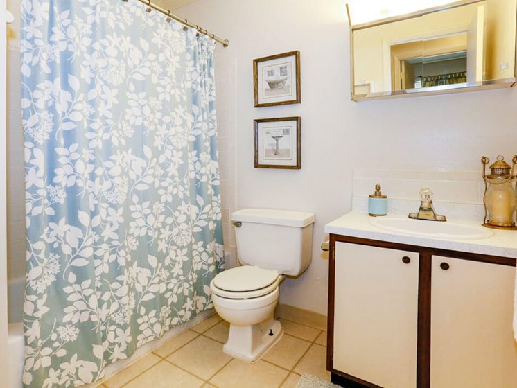 Apartment bathroom with tub