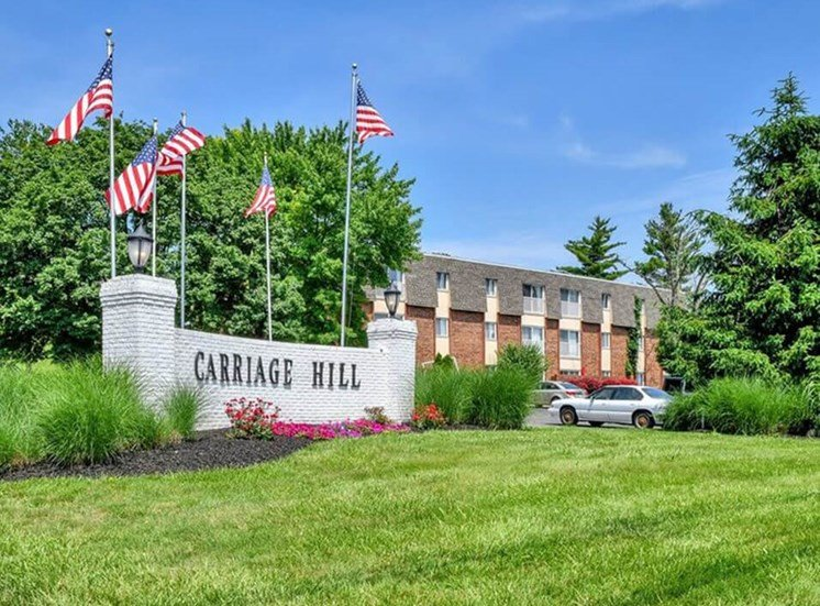 Carriage Hill Apartments welcome sign