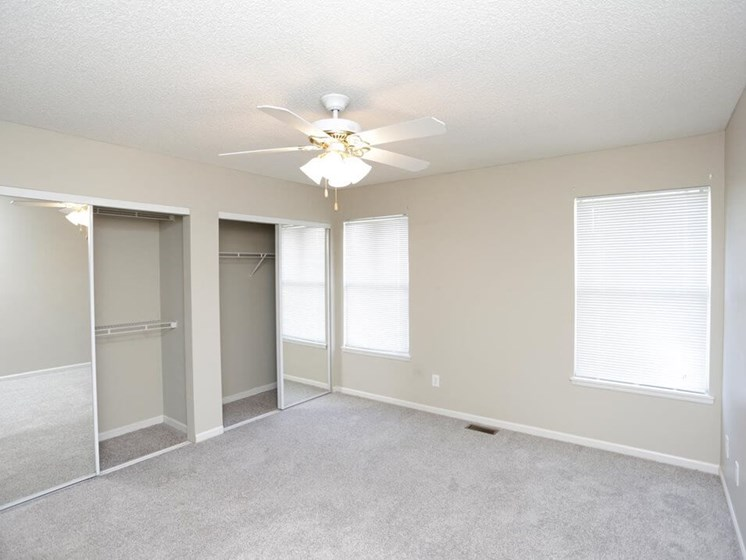 Topeka KS townhomes with ceiling fans