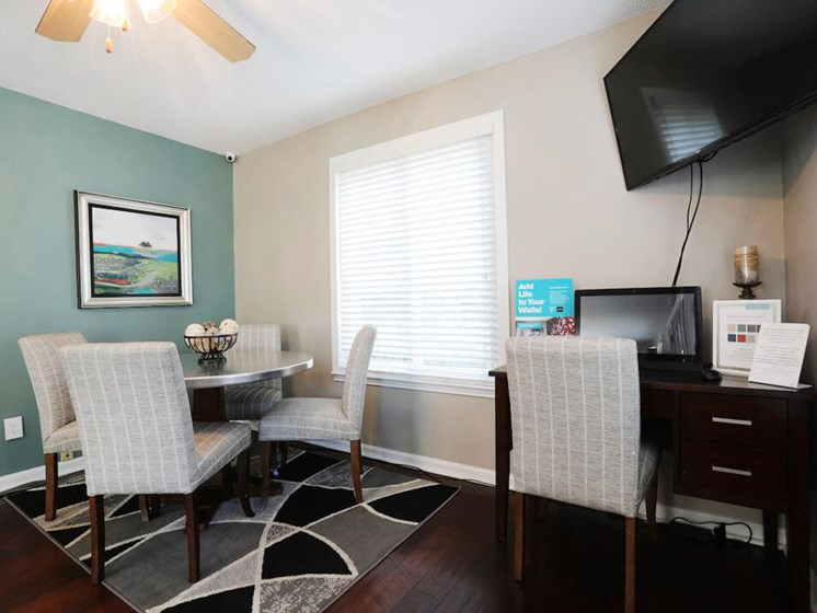 Business center at The oaks at jackson TN apts