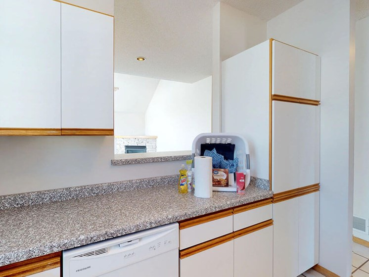 townhomes in rochester mn with large kitchen cabinets