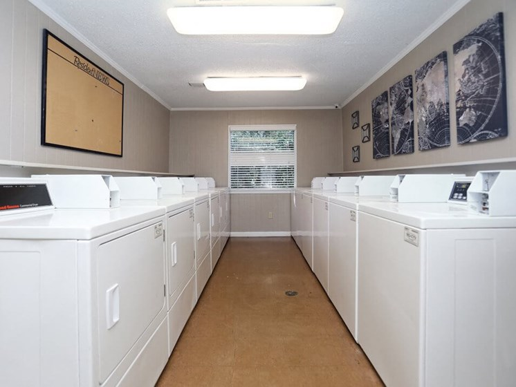 onsite laundry facility at The Oaks Apartments
