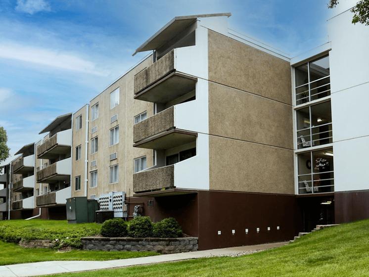 Ridge Oaks Apartments in Sioux City, IA
