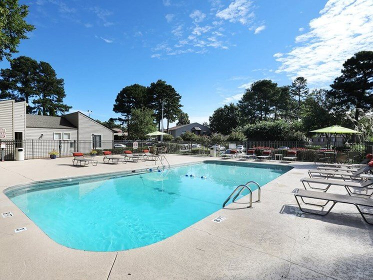 Jackson TN apartments with swimming pool