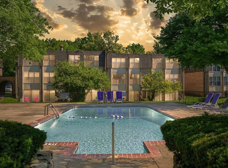 Swimming pool at Carriage Hill apartments