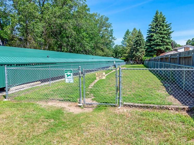 fenced in dog park in Muskegon MI apts