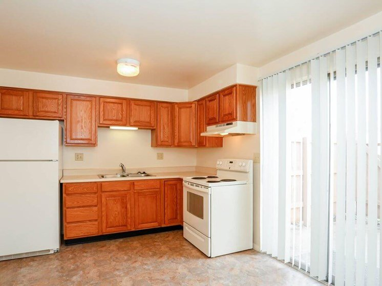 Pine Run Townhomes kitchen with lots of cabinets