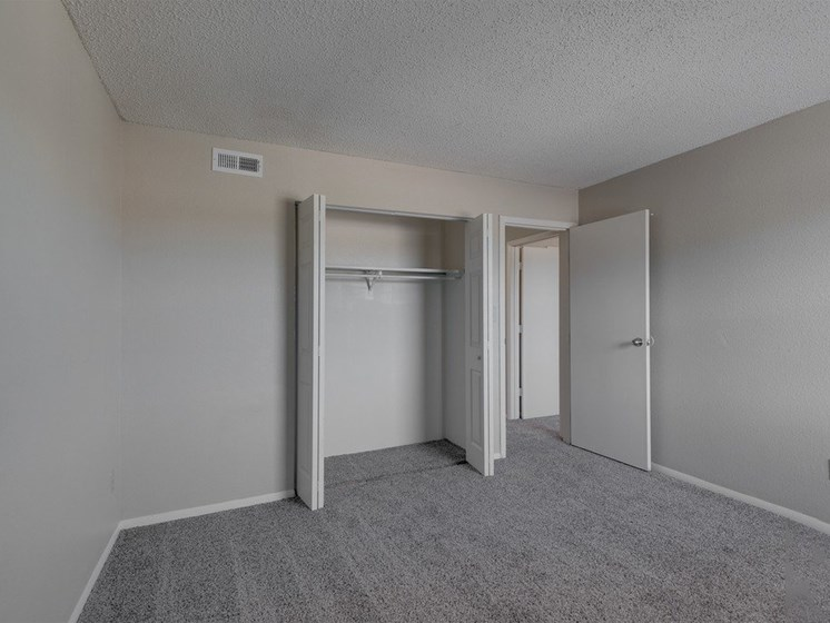 Apartments in Wichita Closets