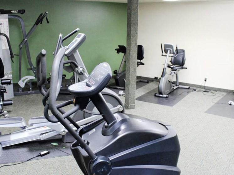 Stone Grove apts fitness center