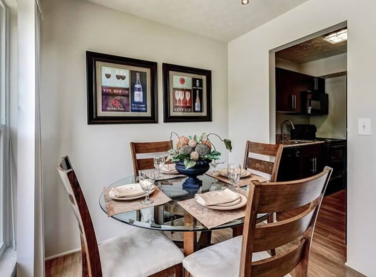 dining room at Carriage Hill apartments