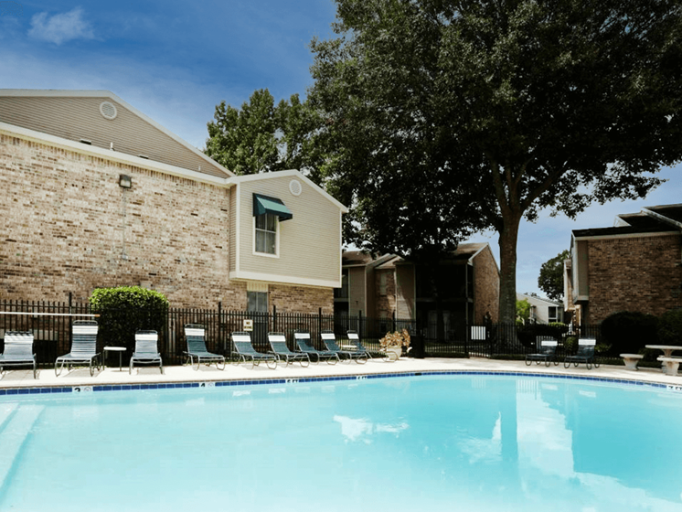 Afton Oaks Apartments in Baton Rouge LA