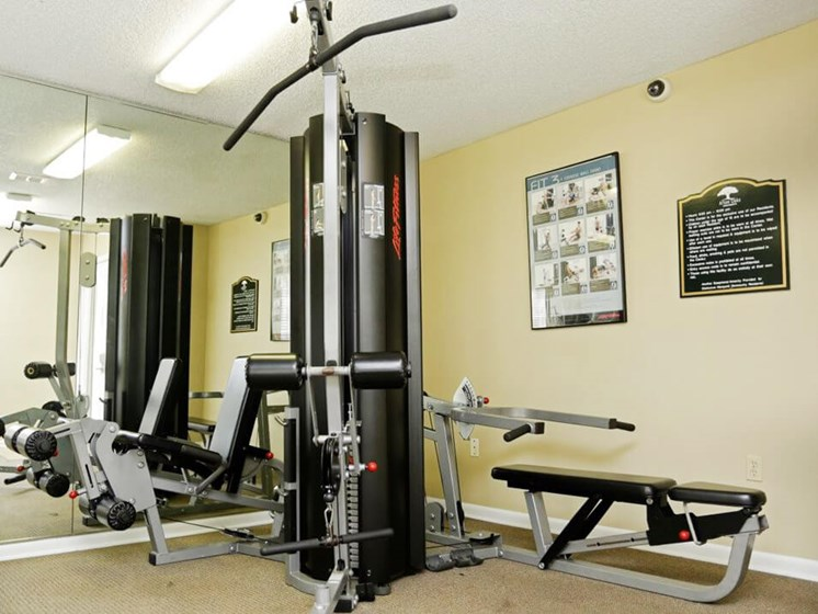 Fitness Center at Afton Oaks apartmetns