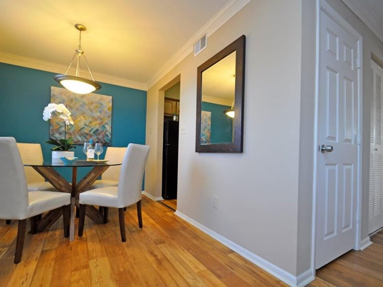 Dining Room at Pavilion Lakes Apartments