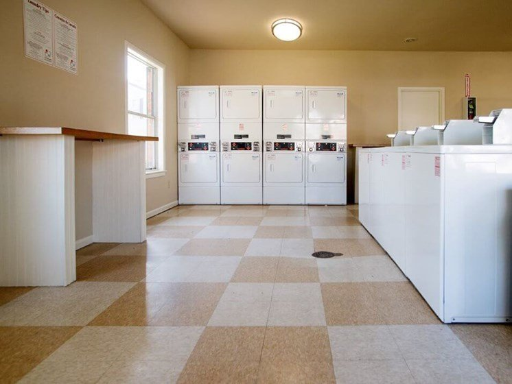 Laundry facility in Pavilion Lakes apartments