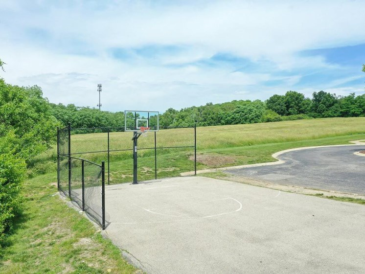 basketball court at The Oaks at Prairie View