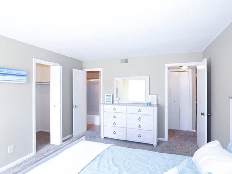 apartments with walk in closet at Ridge at Chesnut