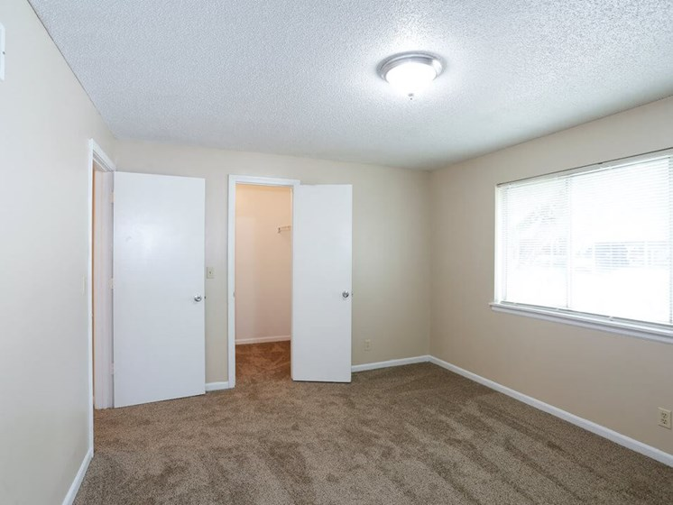 cable ready apartments in Kansas City MO