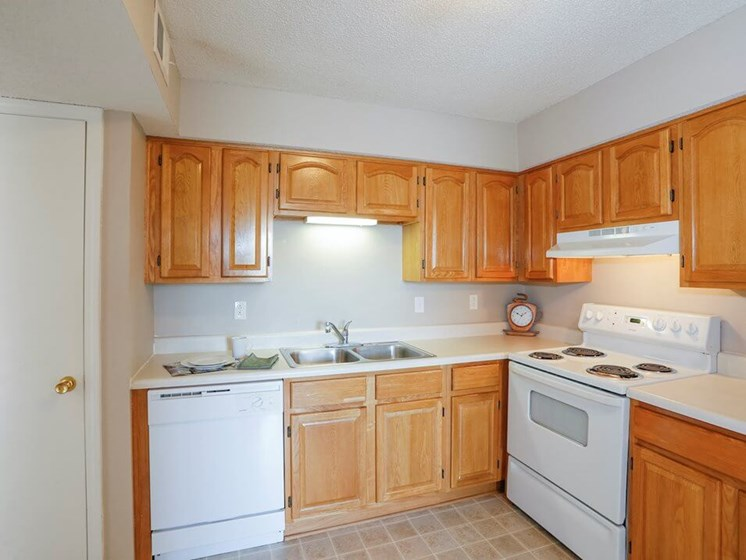 Regency North apartments kitchen