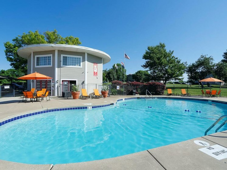 Regency North apartments with swimming pool