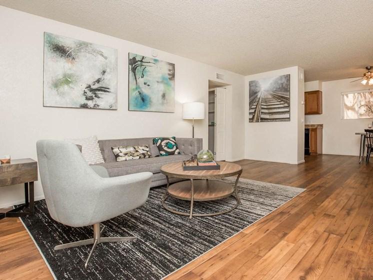 Apartments in Tucson, AZ Floors