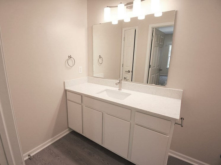 large bathrooms at Shoreline Landing apartments