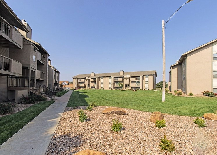 Apartments in Wichita Landscaping