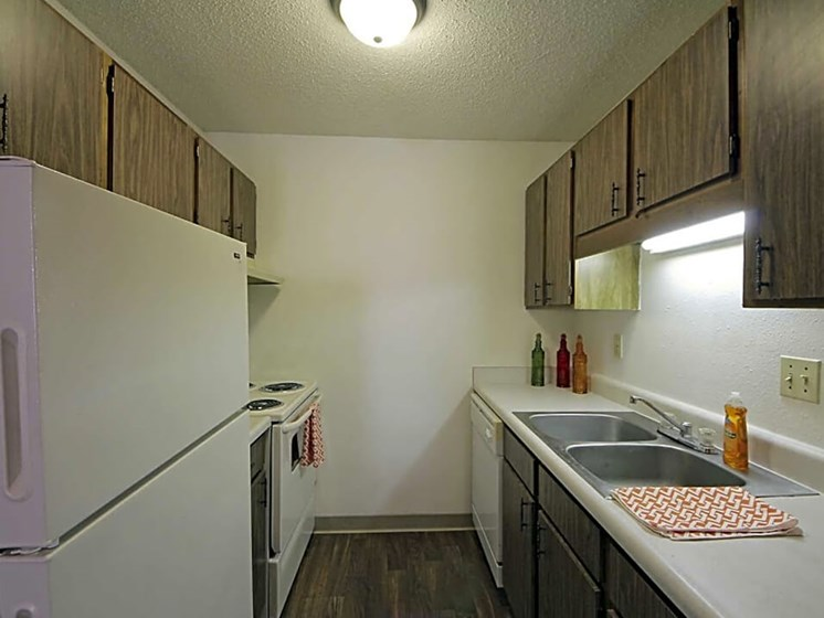 Kitchen at MacArthur's Lake Apartments