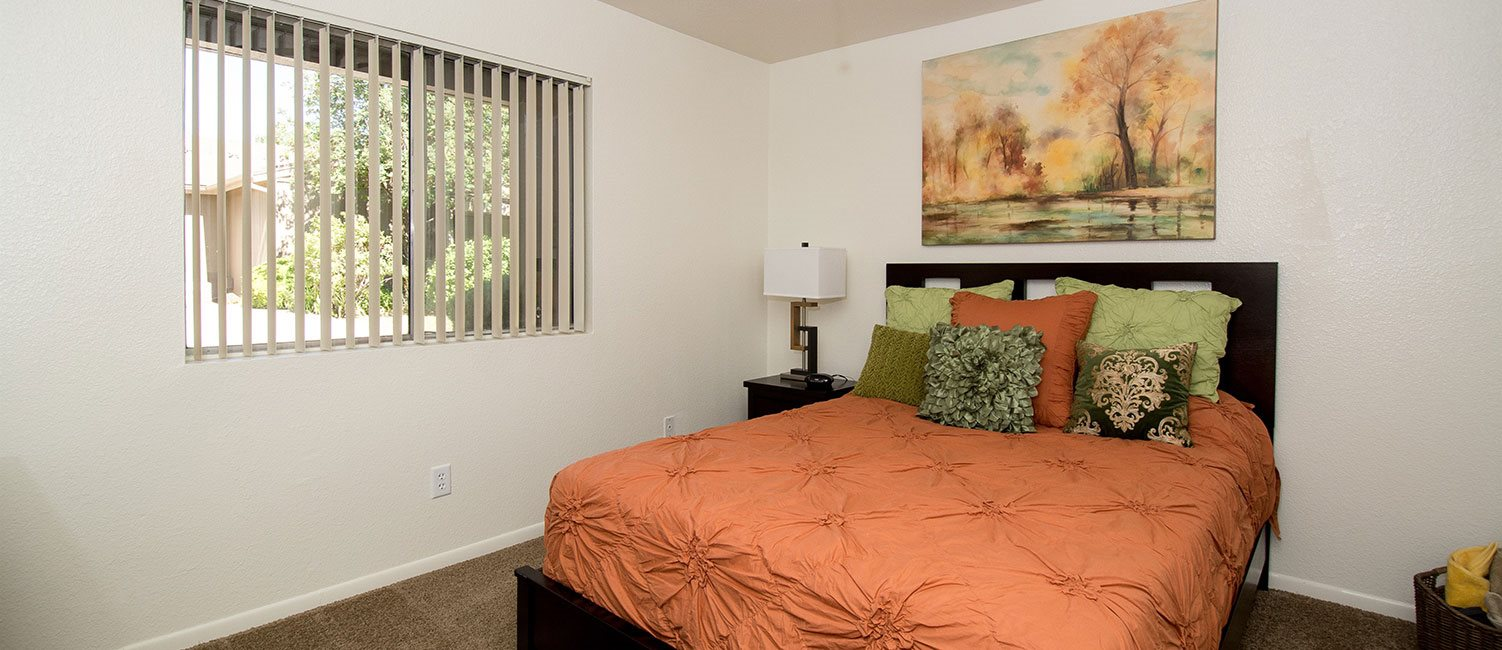 Bedroom With Windows at Flagstaff Apartment,Flagstaff,AZ 86003