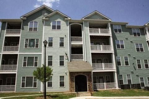 Edgewater Vista Apartments, Decatur Georgia, apartment building exterior