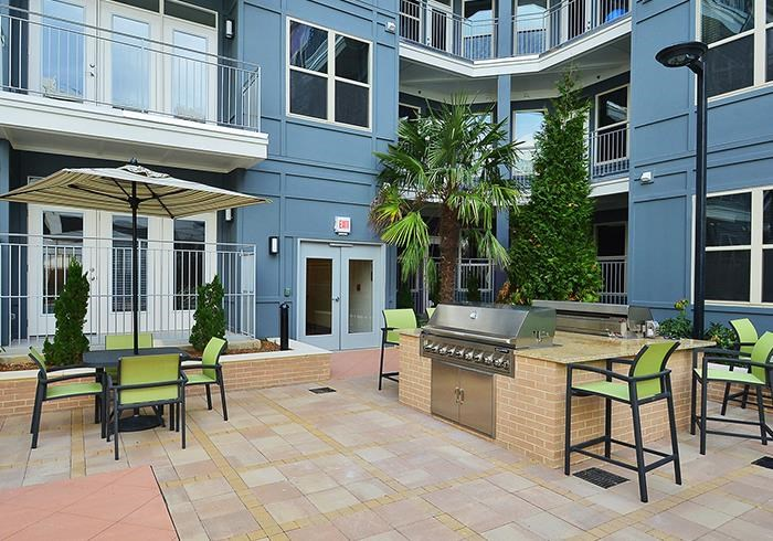 @1377 pool area with grills