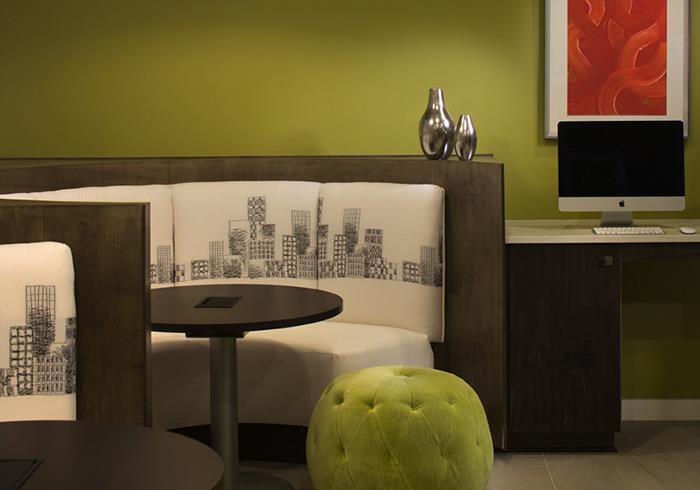 @1377 internet cafe