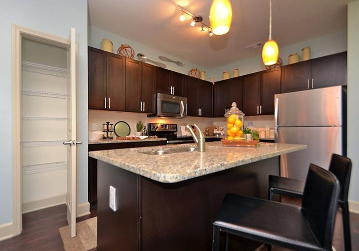 @1377 kitchen with island