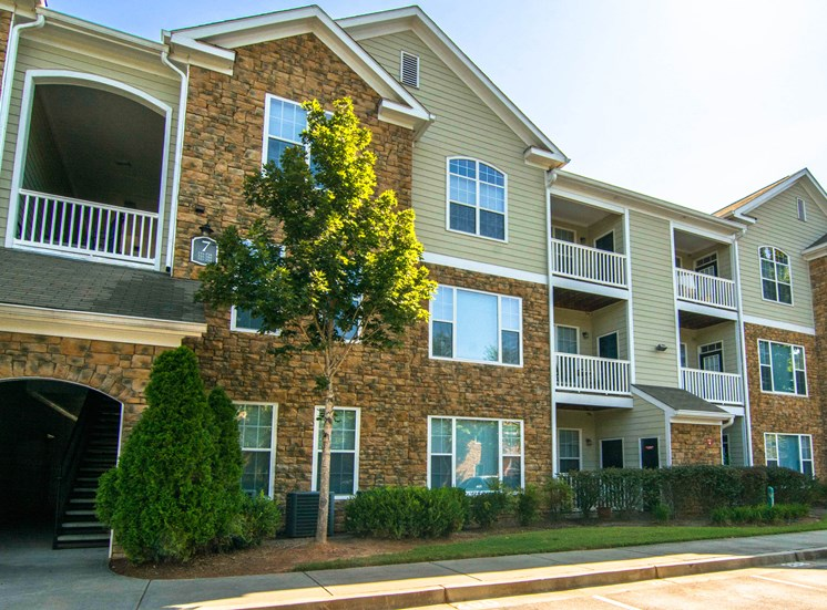 Building Exterior at Parkside Vista in Atlanta, GA 30340