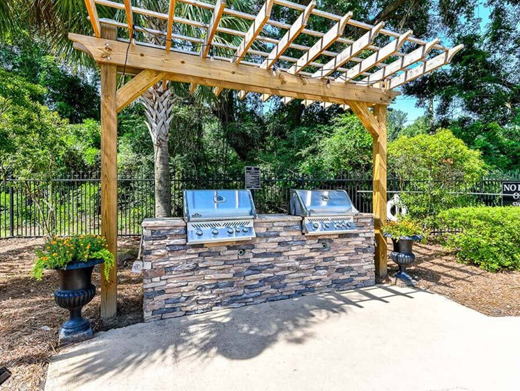 Looking for the perfect way to entertain guests or enjoy time spent with family and friends? Utilize the Picnic and Grilling Areas at Legends at Charleston Park Apartments, North Charleston, SC, 29420