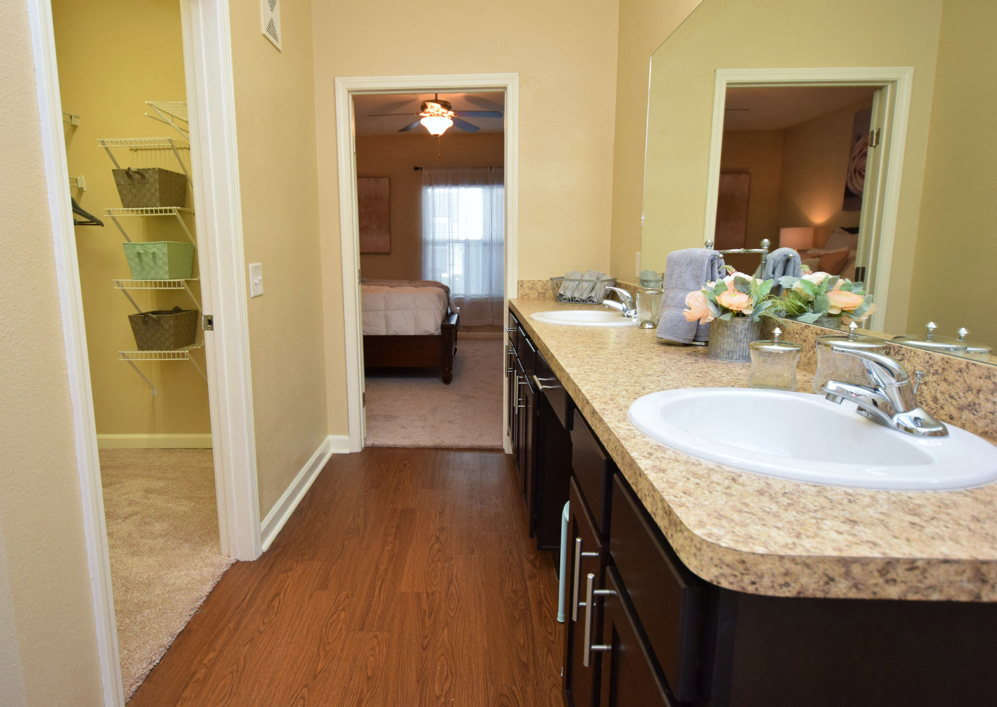Large Bathroom at Highlands of Grand Pointe Apartments in Lafayette, LA