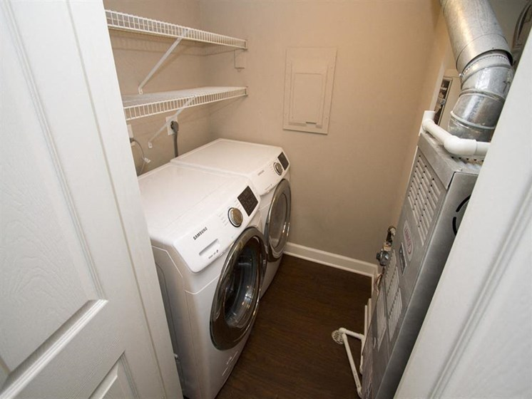 Washer and dryer room-Quality Hill Square, Kansas City, MO