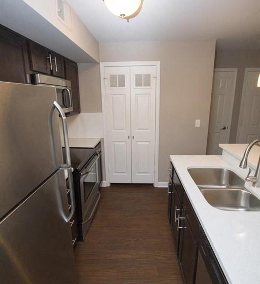 Apartment kitchen area-Quality Hill Square, Kansas City, MO
