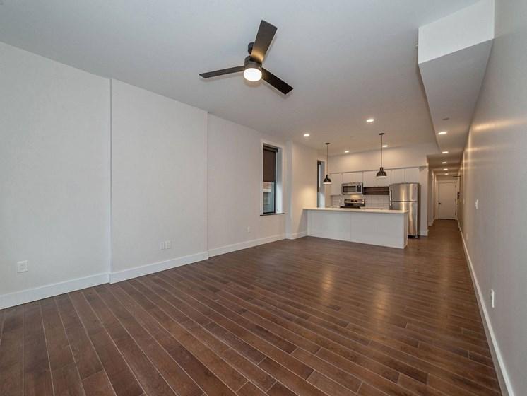 Apartment living area unfurnished_Columbia Flats Apartments Cincinnati, OH
