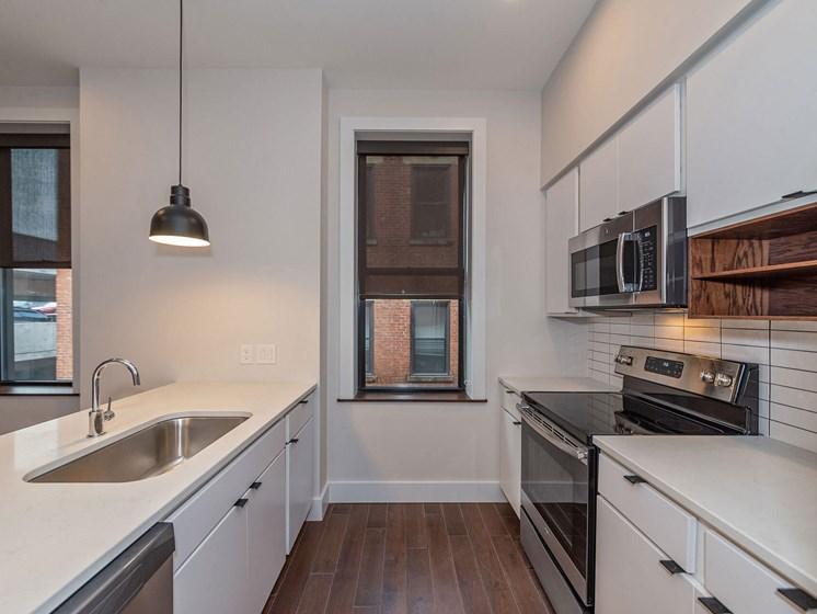 Apartment kitchen_Columbia Flats Apartments Cincinnati, OH
