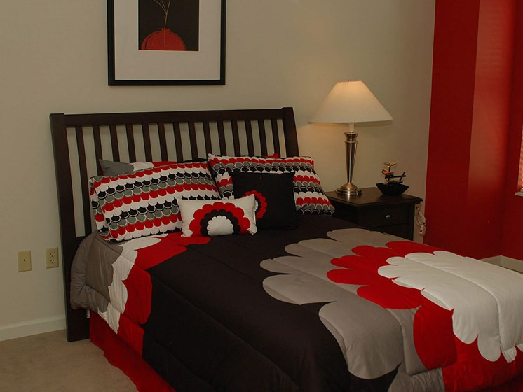 Furnished bedroom-Quimby Plaza Apartments Memphis, TN